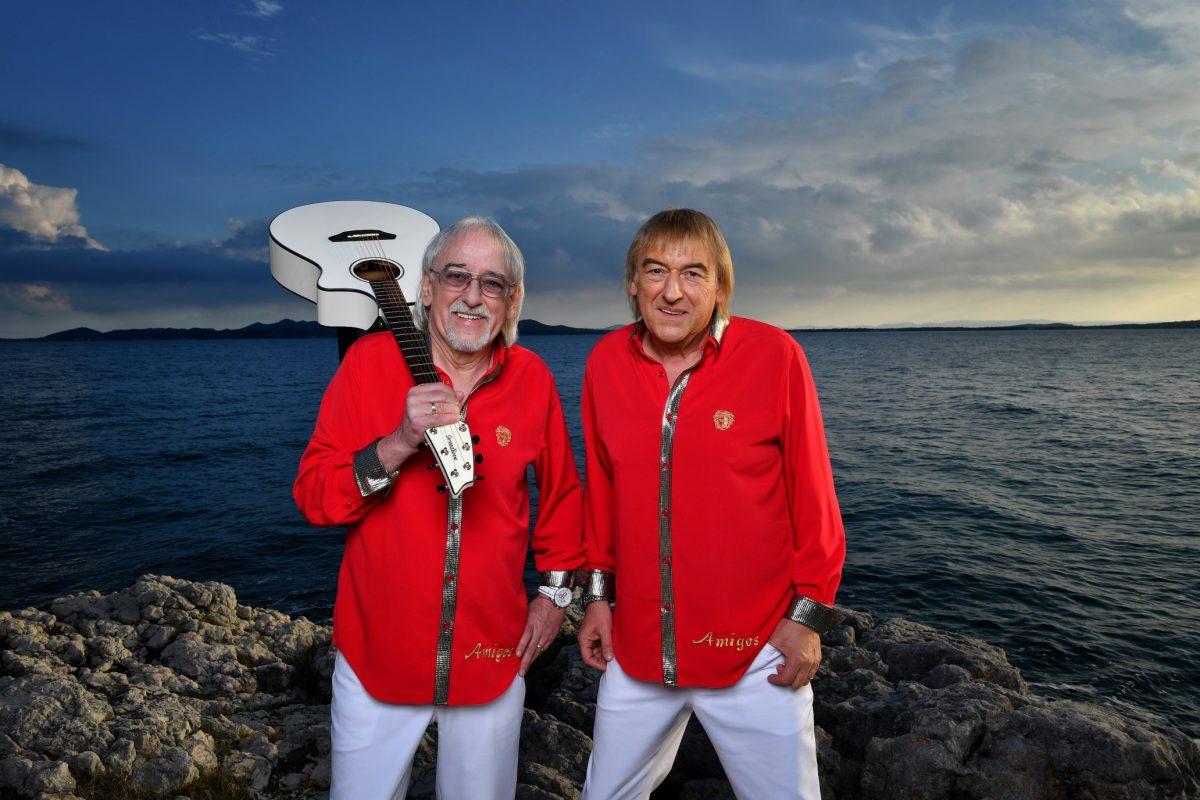 Amigos Amigos Cd Babylon Bereits Mit Auslieferung Vergoldet