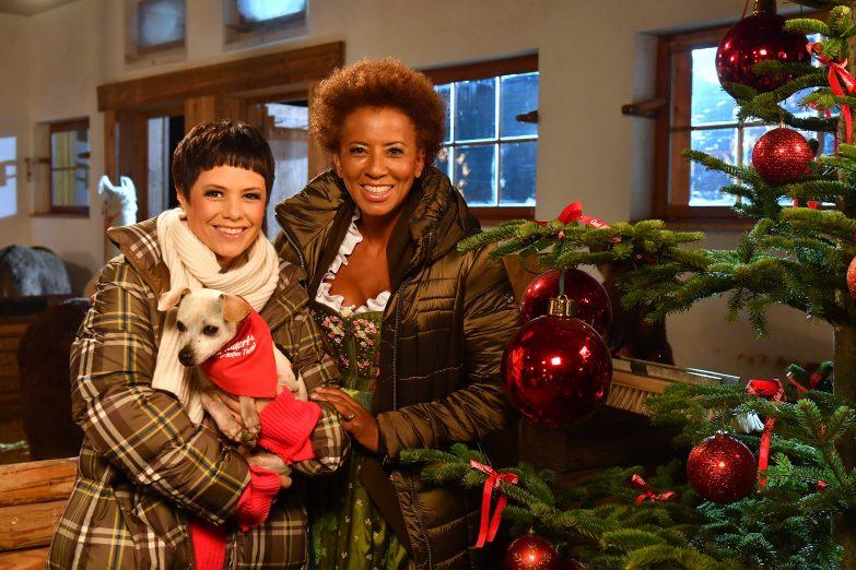 arabella kiesbauer pr sentiert weihnachten auf gut. Black Bedroom Furniture Sets. Home Design Ideas