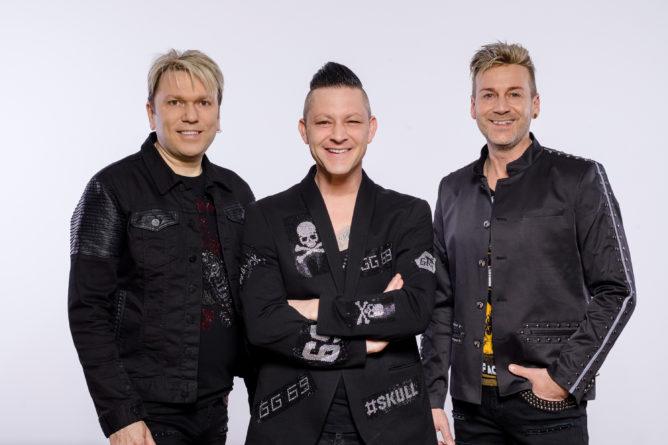 """MUSIKAPOSTEL <br>Mit ihrer Doppel-CD """"Das Beste"""" auf Top 10 Kurs in Deutschland!"""