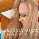 """ANTONIA KUBAS <br>Antonia Kubas debütiert mit dem Titel """"Baby, Liebe und Musik""""!"""